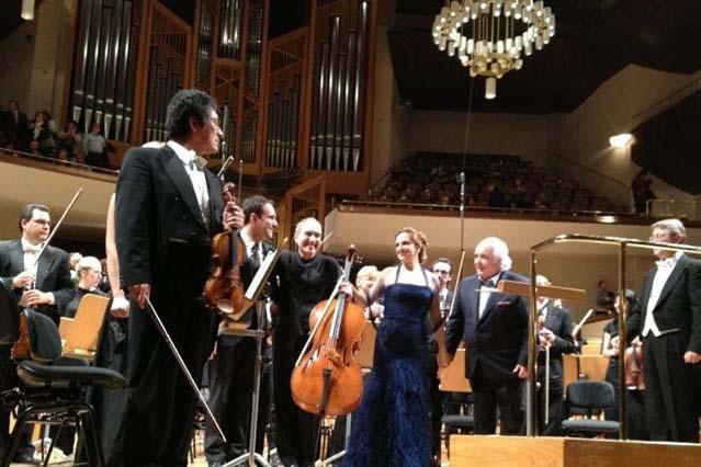 Con A. García Abril, R. Lojendio y V. Pablo Pérez.